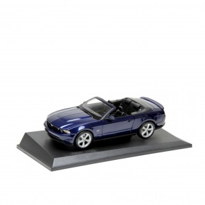 Ford Mustang GT Cabrio model w skali 1:18 - 35030124